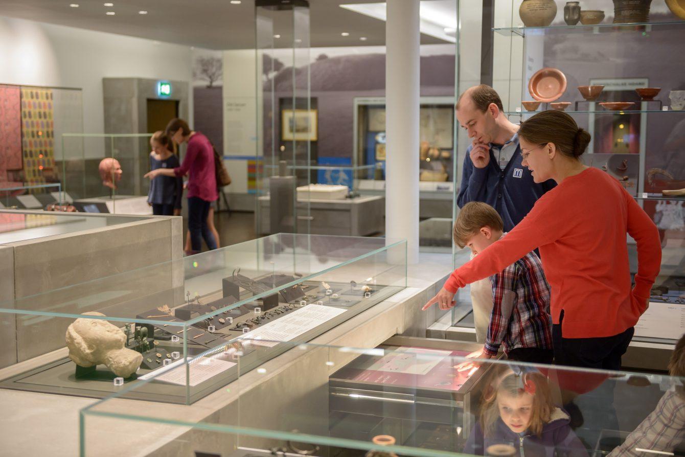 0025 Salisbury Museum - med res