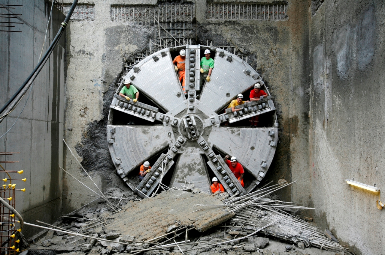 Tunnel boring pic
